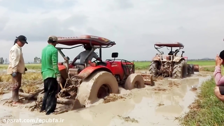 تجربیات یک کشاورز ( رانندگی با تریلر و تراکتور در سراشیبی تند و گیر کردن تراکتور در گل و لای )
